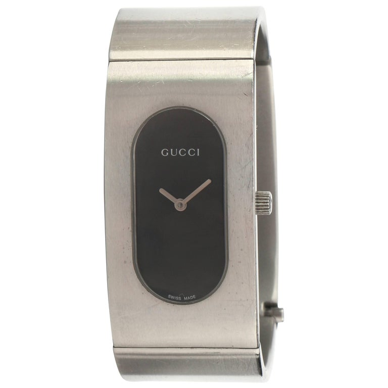 Gucci 2400l Black Oval Dial Stainless Steel Las Bangle Bracelet Watch