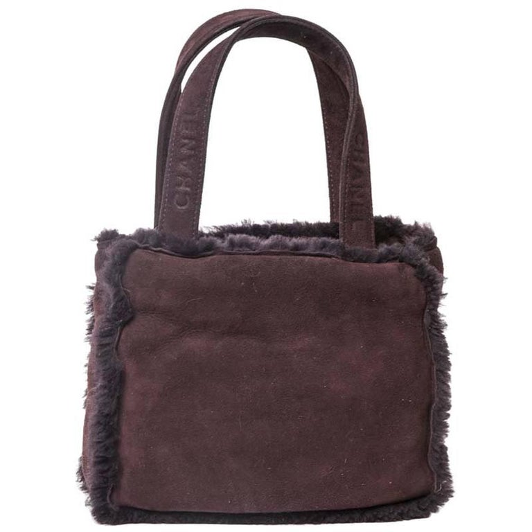b0b440398efd CHANEL Mini Tote Bag in Plum Brown Shearling For Sale at 1stdibs
