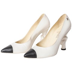 Chanel Knot Pumps in Black and White - Size 39 1/2