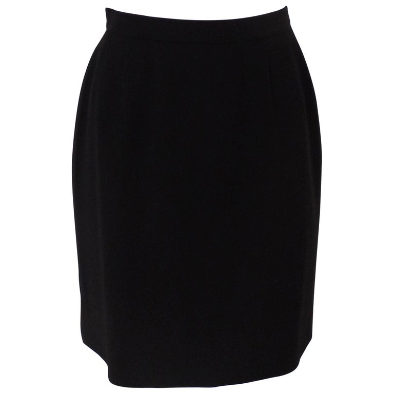 Chanel Boutique black wool skirt For Sale