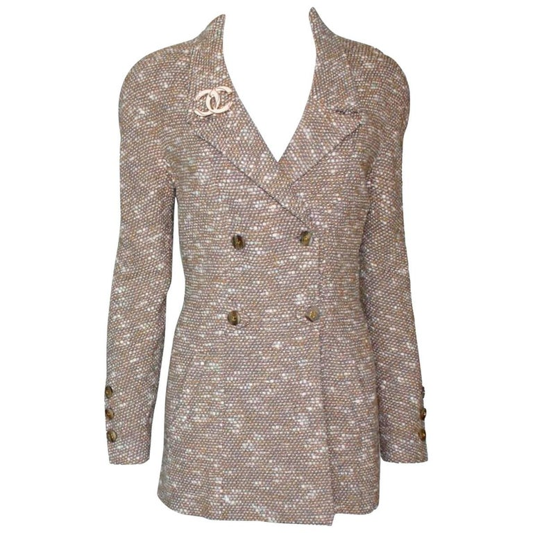 Stunning Chanel Tweed CC Logo Button Short Coat Jacket Blazer