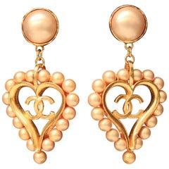 1990s Chanel drop gilded metal heart-shaped earrings