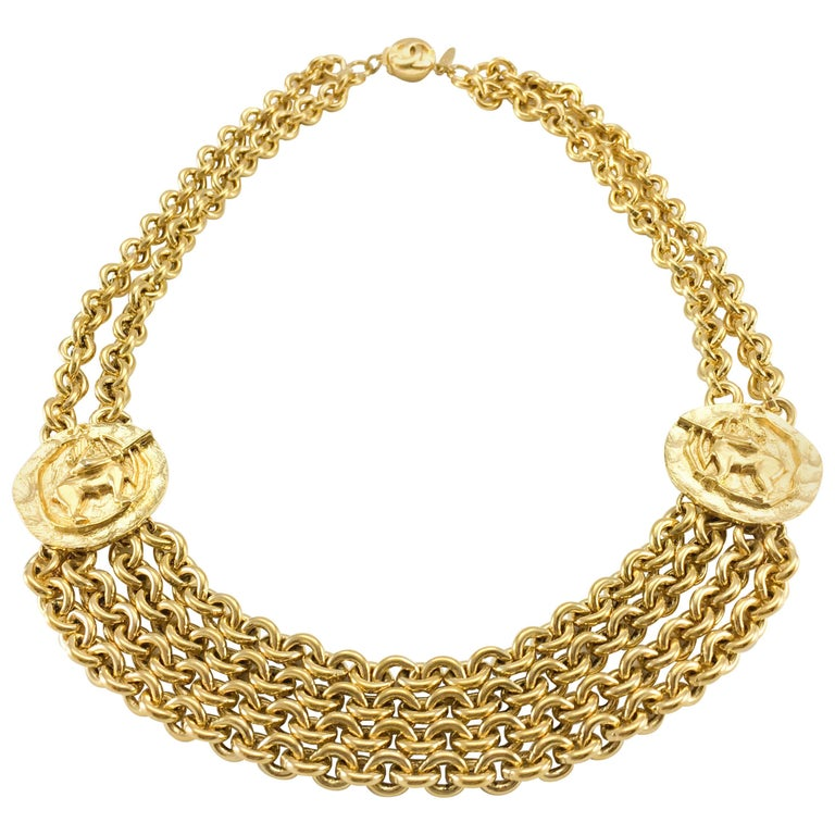 chain medallion necklace w