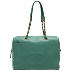 Vintage CHANEL green caviar leather chain shoulder large tote bag with CC.