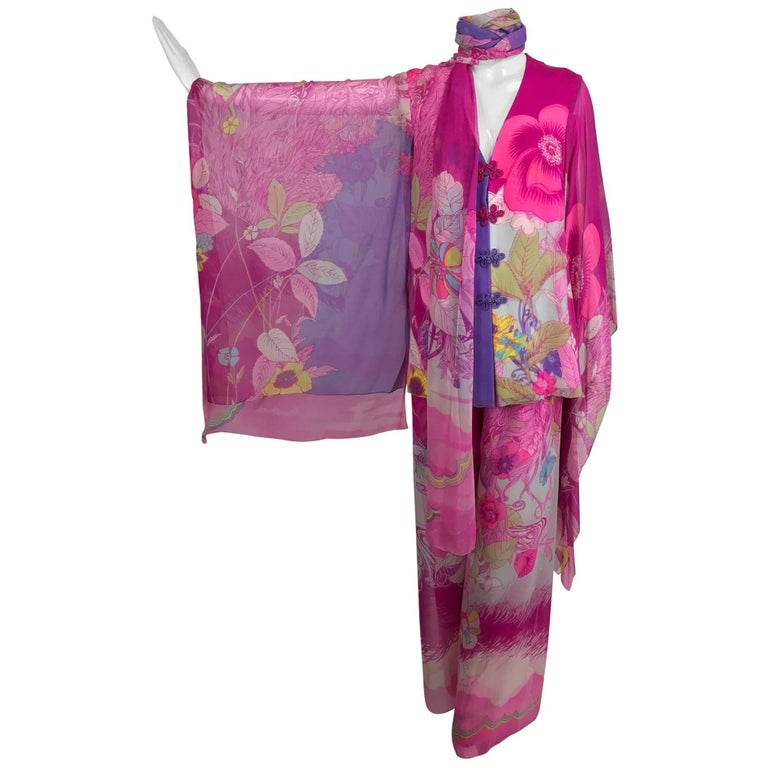 Hanae Mori pink floral silk kimono evening set in The Mets Collection 1966-69 For Sale