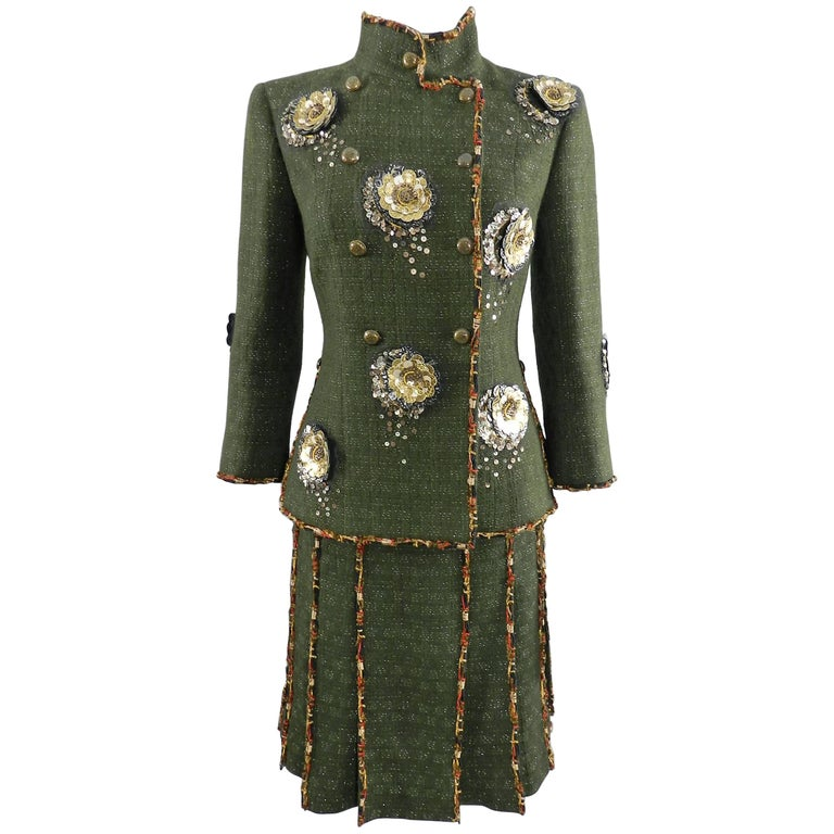 Chanel Pre-Fall 2010 Shanghai Runway Green skirt Suit with Gold Lesage Camelias For Sale
