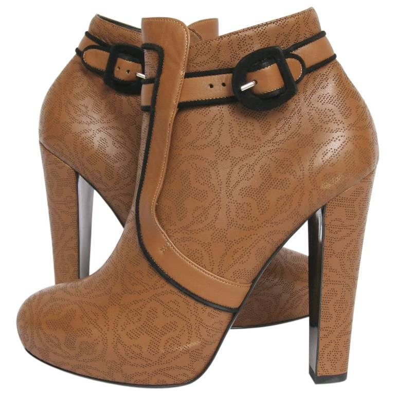 HERMES Ankle Boots in Brown Lace Leather Size 38.5 EU