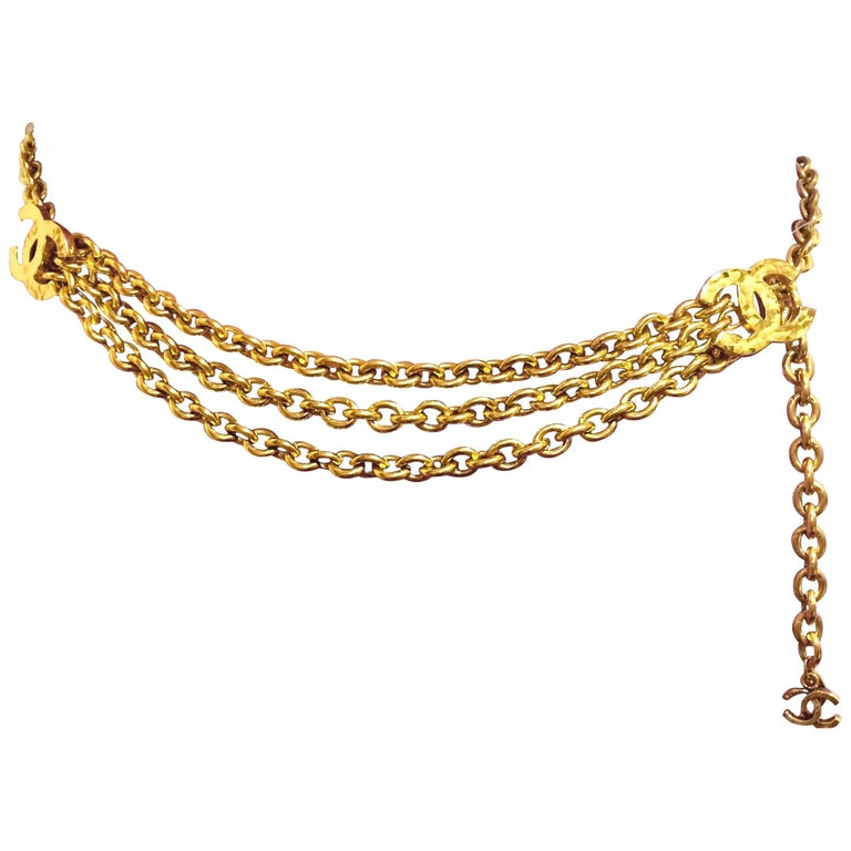 MINT. Vintage CHANEL golden chain belt with triple layer chains and 3 CC marks