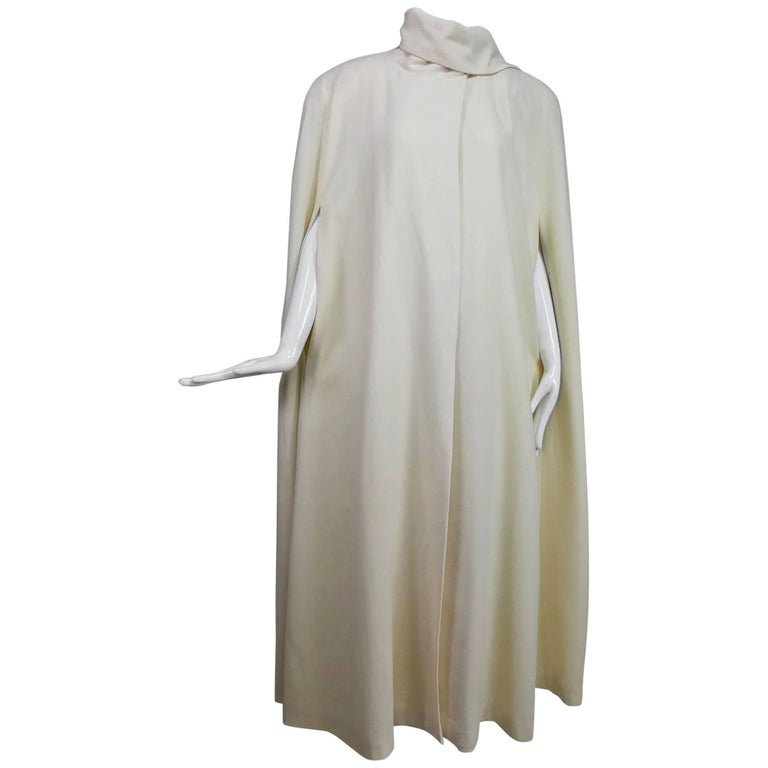 Winter white full length wool cape 1980s For Sale