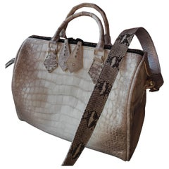 7d2ee0107e1 Gray Handbags and Purses - 1,127 For Sale at 1stdibs - Page 13