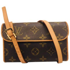 Louis Vuitton Monogram Fanny Pack With Adjustable Belt For Men and Women