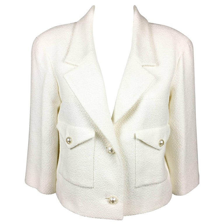 2012 Chanel Runway Look White Cotton Jacket With Faux-Pearl Buttons 1
