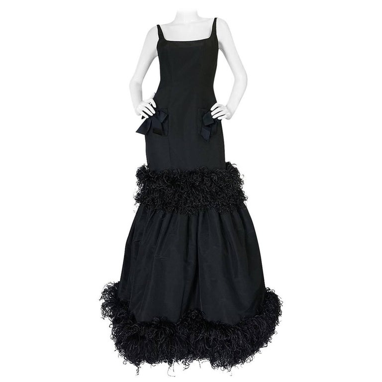 F/W 2004 Oscar de la Renta Silk & Ostrich Feather Trim Gown