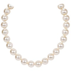 Chanel 80s Mabe Pearl Choker Necklace