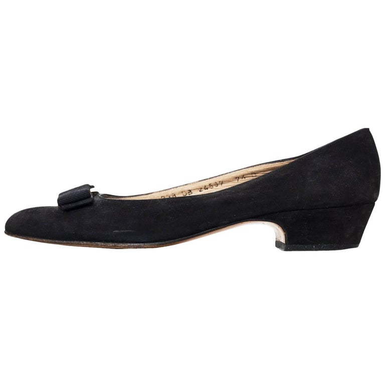 Salvatore Ferragamo Black Varina Bow Shoes Size 37.5 For Sale