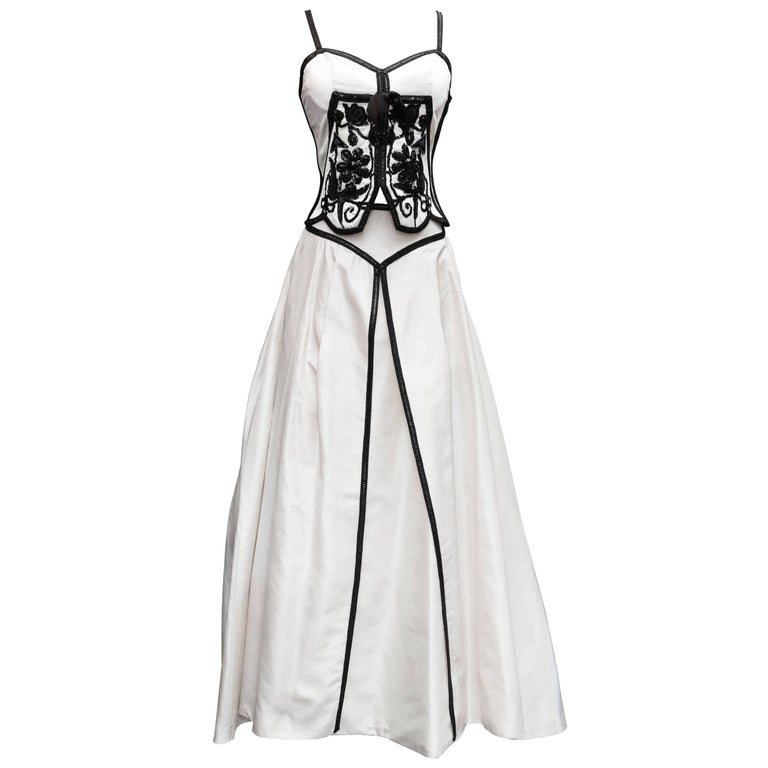 Loris Azzaro white silk taffeta set with sequins and black beads embroideries For Sale