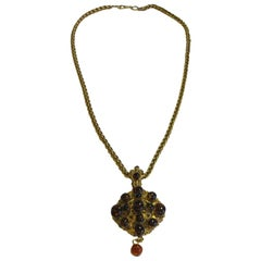 MARGUERITE DE VALOIS Necklace in Gilded Metal and Pendant in Topaze Molten Glass
