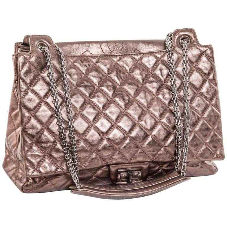 CHANEL Tote Bag in Glossy Brown Shiny Quilted Leather