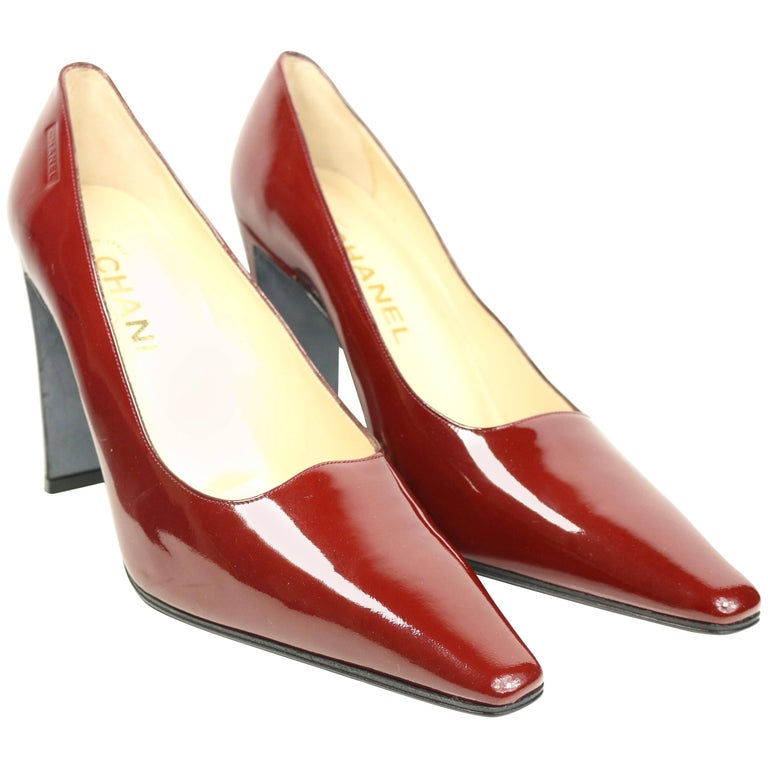Chanel Burgundy Patent Leather Heels Pumps. For Sale at 1stdibs