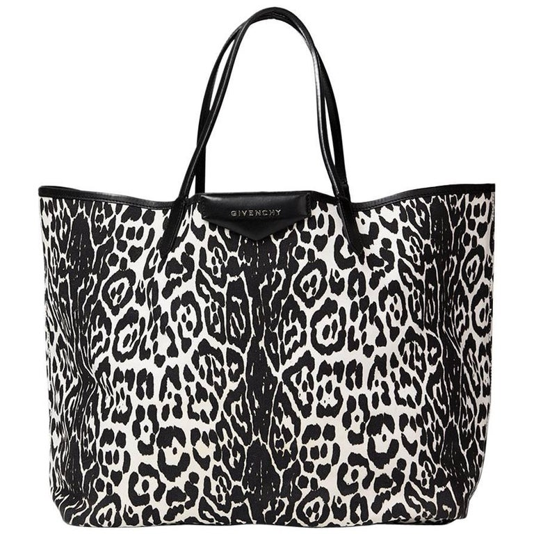 2011 Givenchy Black And White Leopard Print Canvas Large Antigona Tote For  Sale 7fccb6b777124