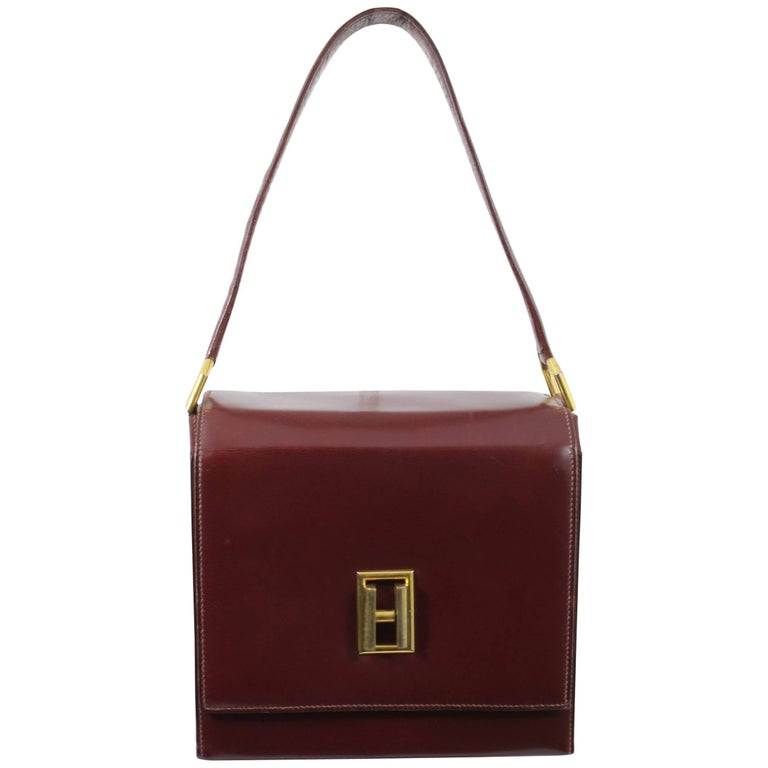 b0cc9dc5c007 24 Fbg St Honoré Vintage Hermes Burgundy leather Bag For Sale at 1stdibs