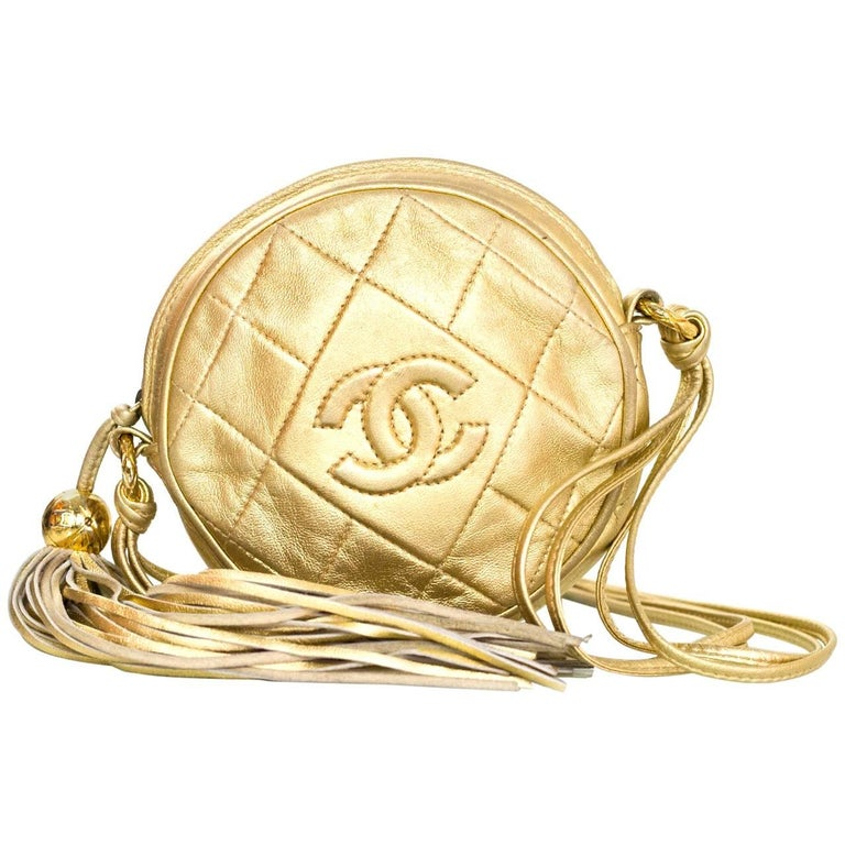 Chanel Vintage '90s Gold Lambskin Leather Quilted Circle Crossbody Bag For Sale