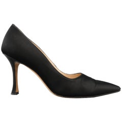 MANOLO BLAHNIK Size 8 Black Silk Satin Pointed Pumps