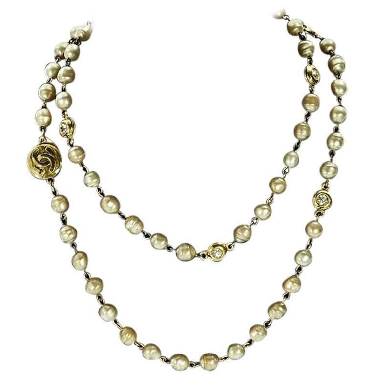 Goldtone Vintage Chanel Faux Pearl Necklace For Sale