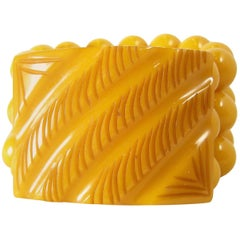Vintage Carved Butterscotch Bakelite Stretch Bracelet