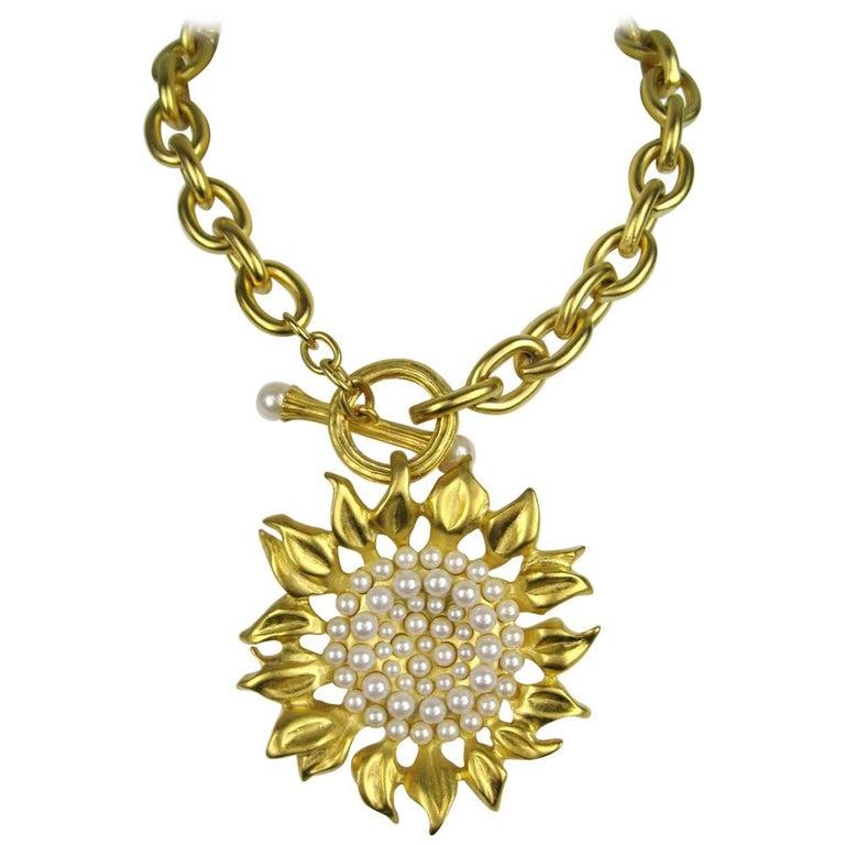 1990s karl lagerfeld new never worn gold sunflower necklace for 1990s karl lagerfeld new never worn gold sunflower necklace for sale aloadofball Image collections