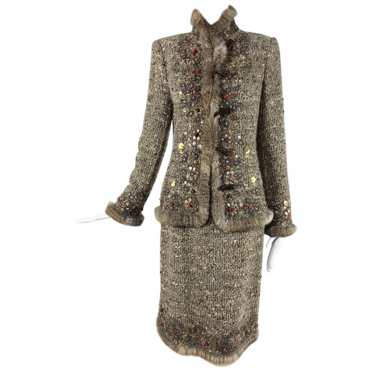 Oscar de la Renta jewel and fur trim soft tweed knit skirt set  For Sale