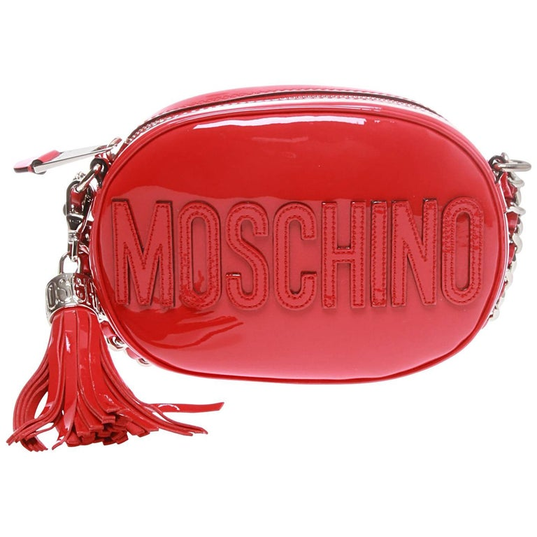 5bffb43961 Moschino Red Patent Oval Logo Cross-body Bag For Sale at 1stdibs