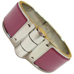 Hermès Uni Enamel Charniere Bracelet Color Rose Velours / Like New