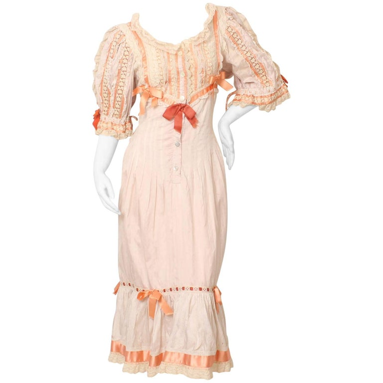 Vintage Lace and Bow Sweetheart Dress Royal Shakespeare Theater