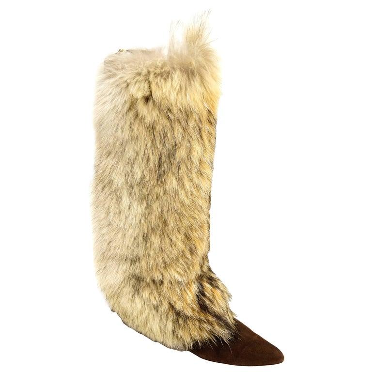 Oscar de la Renta Blonde Fox Fur and Brown Suede Boots For Sale