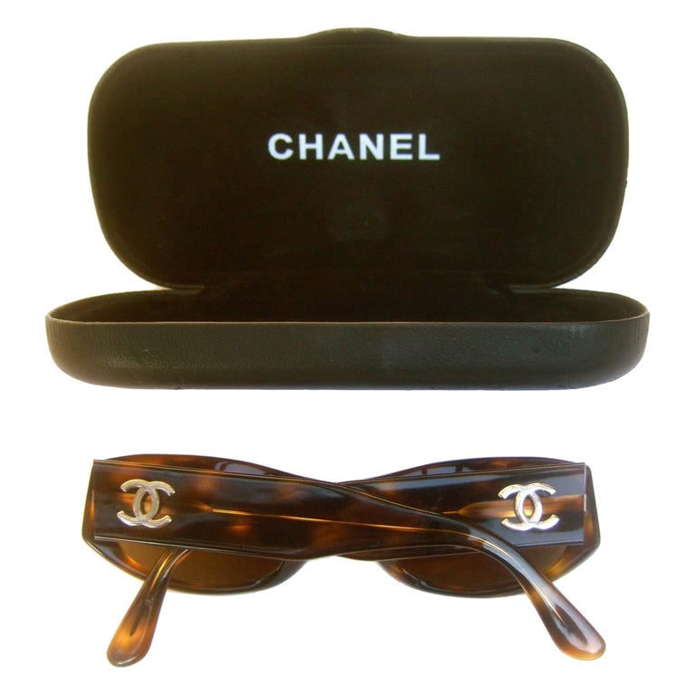 Chanel Italian Tortoise Shell Lucite Sunglasses in Chanel Case