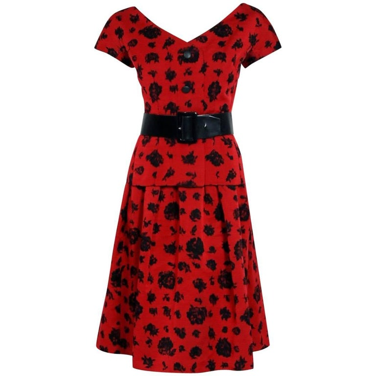 1957 Christian Dior Demi-Couture Red & Black Floral Print Silk Belted Dress Set For Sale