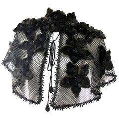 1930er Jahre Stil Honeycomb Netz Caplet mit Perlen Fell Blume Aufnähern