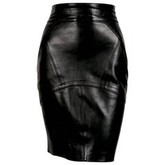 1980's AZZEDINE ALAIA back leather skirt with pleated hemline