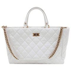 CHANEL Tote Bag in Aged White Patent Leather