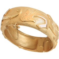 Trifari Vintage Dragon Motif Polished Gold Metal Hinged Clamper Bracelet 1960s