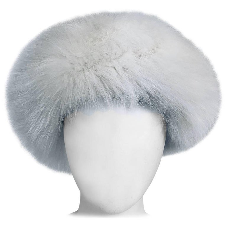 White fox hat 1960s  For Sale