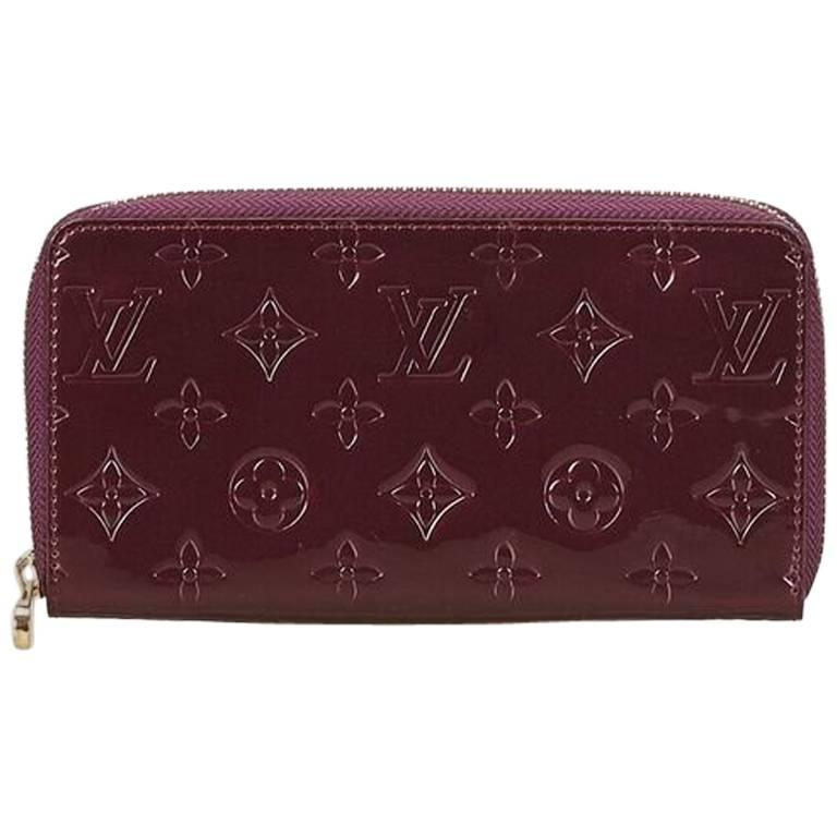 237b23cf7ef1 Louis Vuitton Purple Vernis Zippy Wallet For Sale. Product details  Purple  embossed vernis leather Zippy wallet by Louis Vuitton. Zip-around