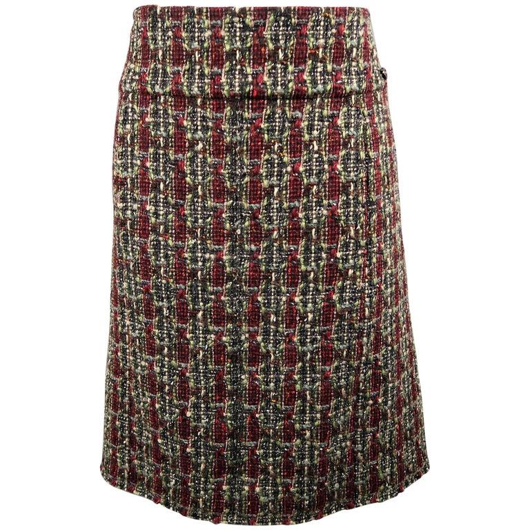CHANEL Skirt - Size 14 - Burgundy & Green Wool Blend Boucle Tweed A Line Skirt