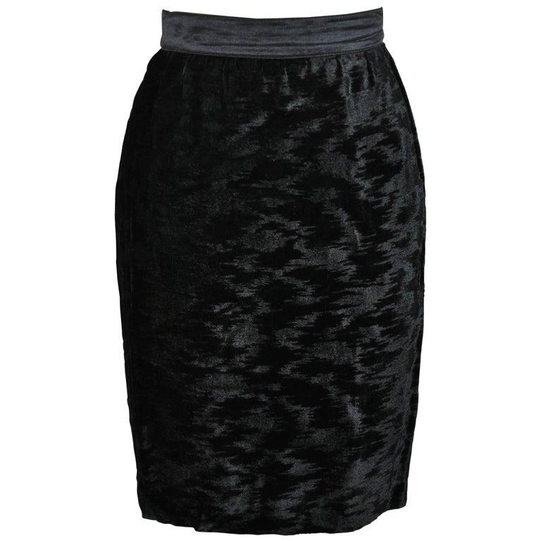Escada Fully-Lined Black Crushed Velvet with Silk Satin Waistband Pencil Skirt