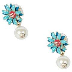 CHANEL Daisy Stud Earrings in Blue and Coral Color and a Pendant Pearl