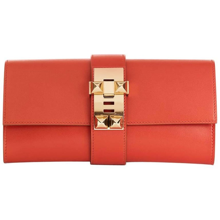 Hermes Sanguine Tadelakt Leather Medor 23 Clutch