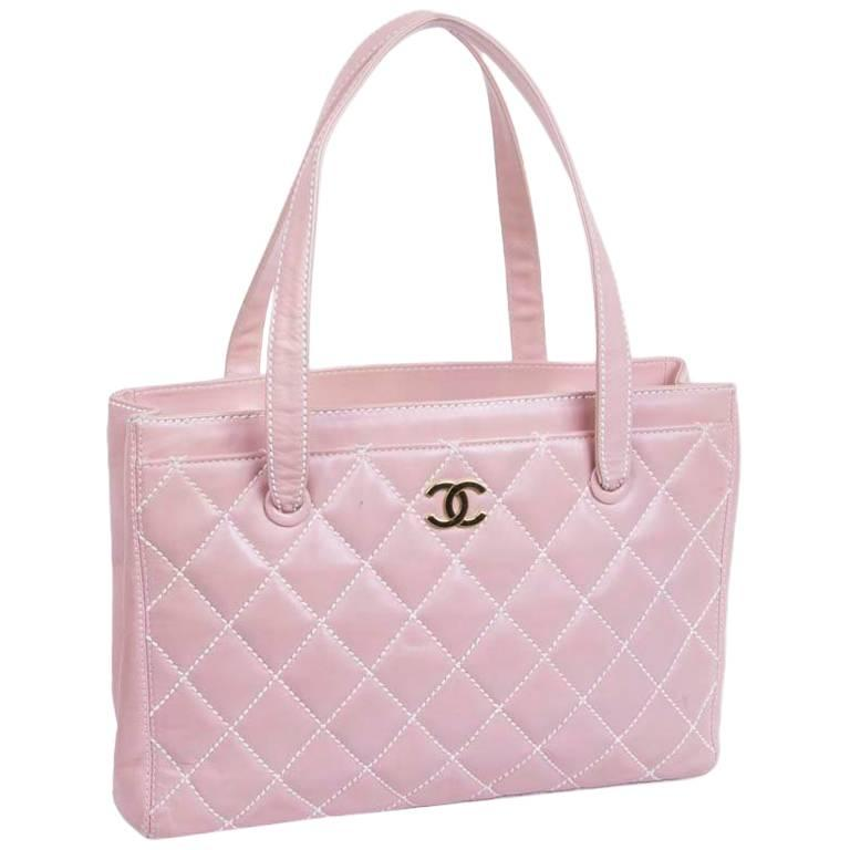 8a593f7d8a3b CHANEL Bag in Pink Quilted Smooth Leather with a White Stitching For Sale