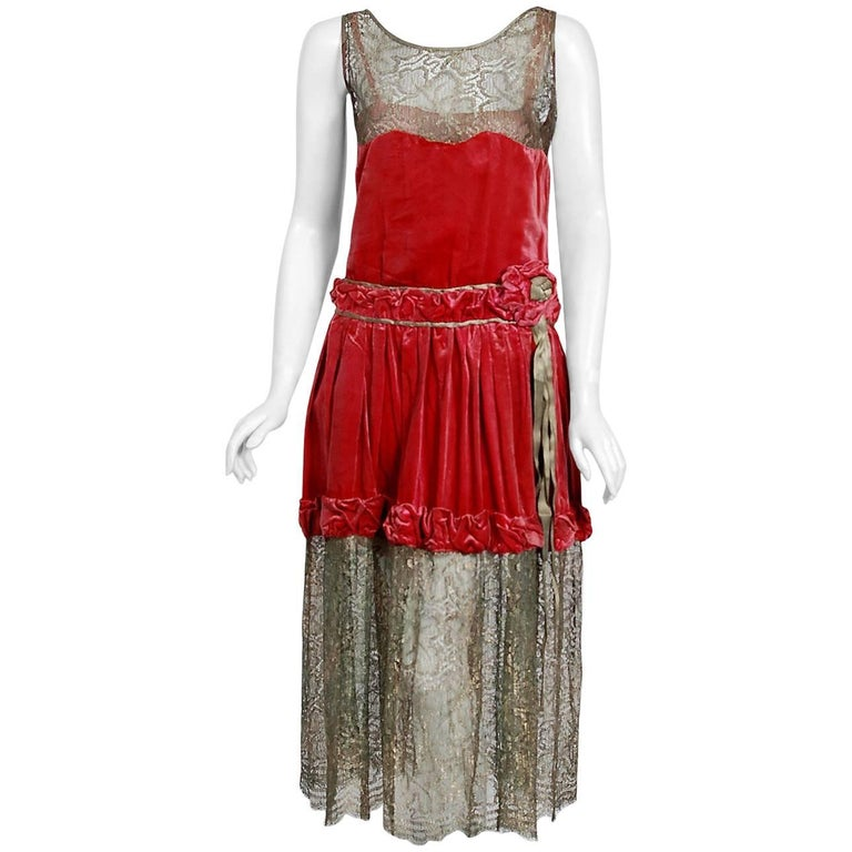 1920's Bedell Couture Magenta Velvet Metallic Gold Lace Art Deco Flapper Dress For Sale