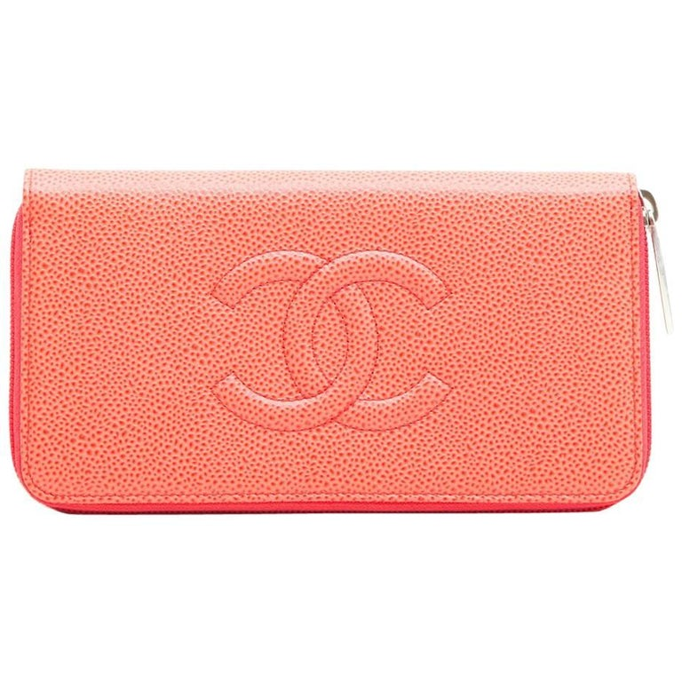CHANEL Wallet in Grained Salmon Leather